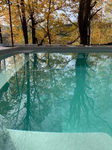 montáž bazéna na jeseň